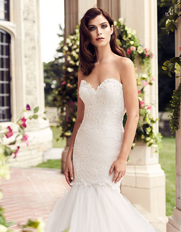 Paloma Blanca Spring 2017 Fit And Flare Wedding Dress