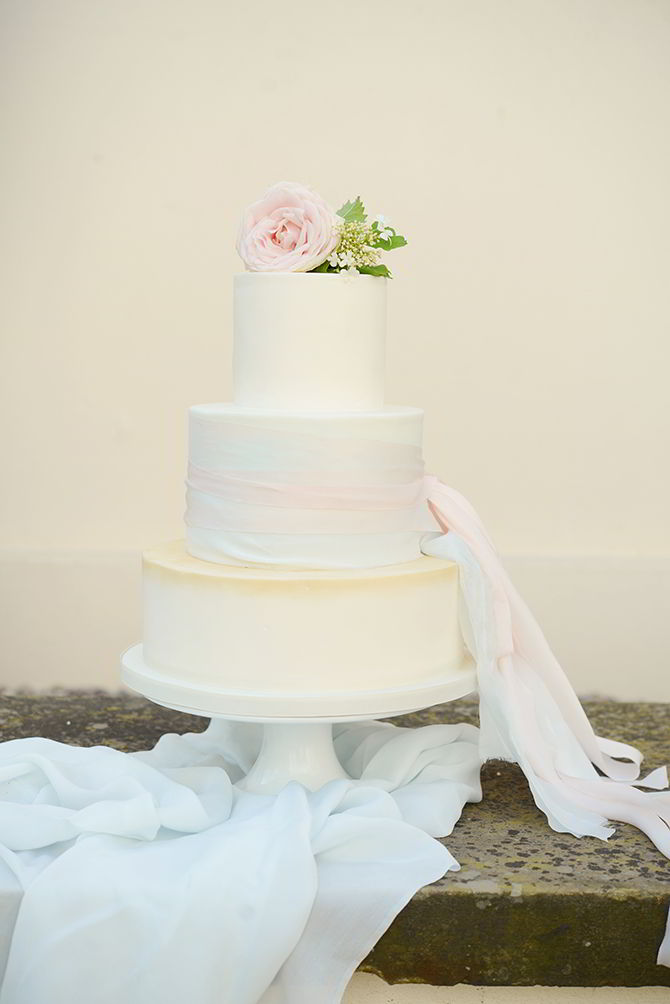 Wedding Cake - Morden Hall Styled Wedding - Eva Tarnok Photography