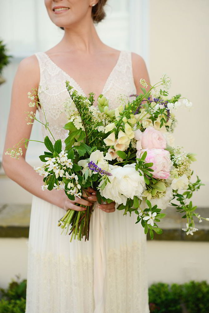 Wedding Flowers - Morden Hall Styled Wedding - Eva Tarnok Photography