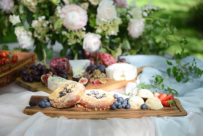 Wedding Food - Morden Hall Styled Wedding - Eva Tarnok Photography