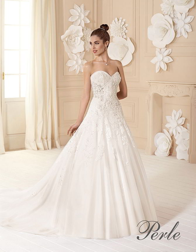 5763c35a5f15 Heart neckline and lacing Perle By Delsa 2017 A-line gown