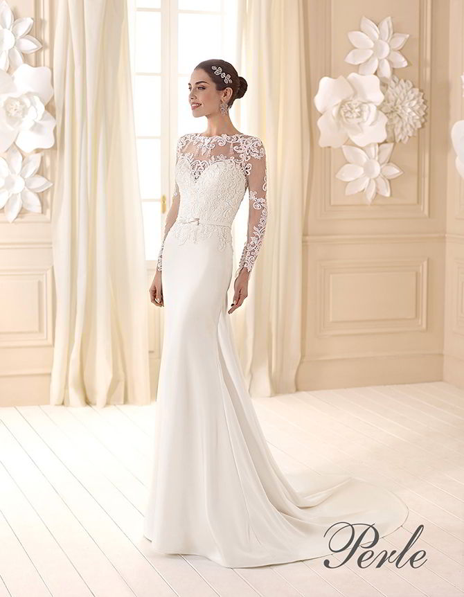 5e603ec0fa4a Embroidered lace and heart neckline top Perle By Delsa 2017 Cady gown
